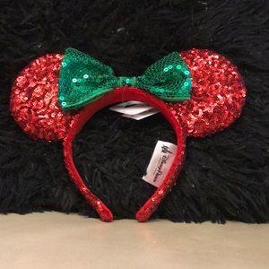 Christmas Mickey/Minnie Ears NWT